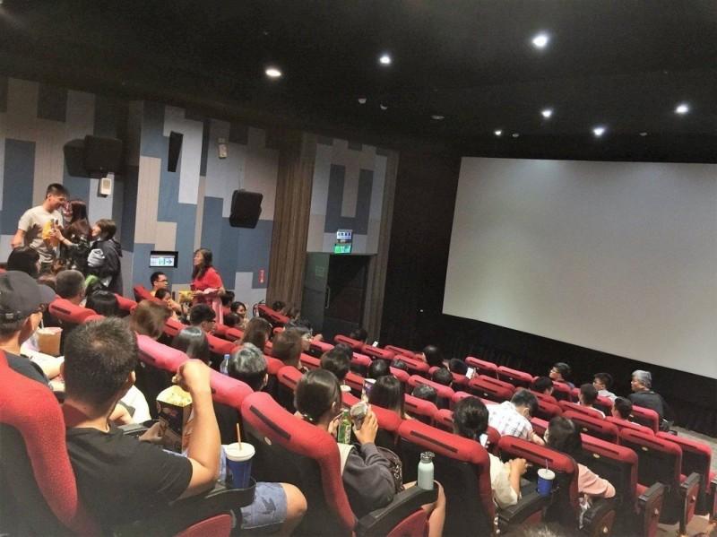 別只會搶票!電影院「黃金座位」你知道怎麼選嗎?
