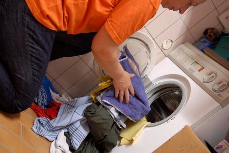 貼身衣物和襪子也可以丟洗衣機?衣服越洗越髒的9個常見錯誤