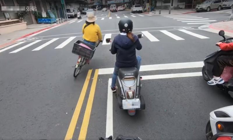 影/騎單車逆向飆速大迴轉 騎士驚:我不相信妳是大嬸