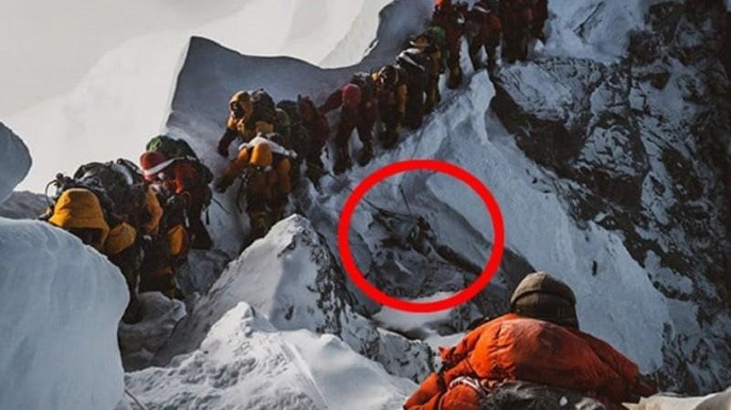 影/攀聖母峰「越屍體前進」 登山業削價競爭被指元凶