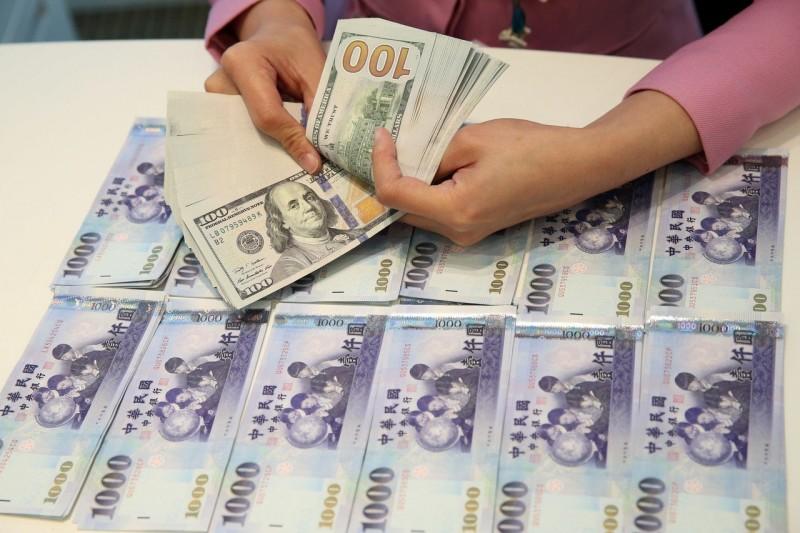 新台幣5月創三年多來最大單月跌幅 為什麼依舊看貶?