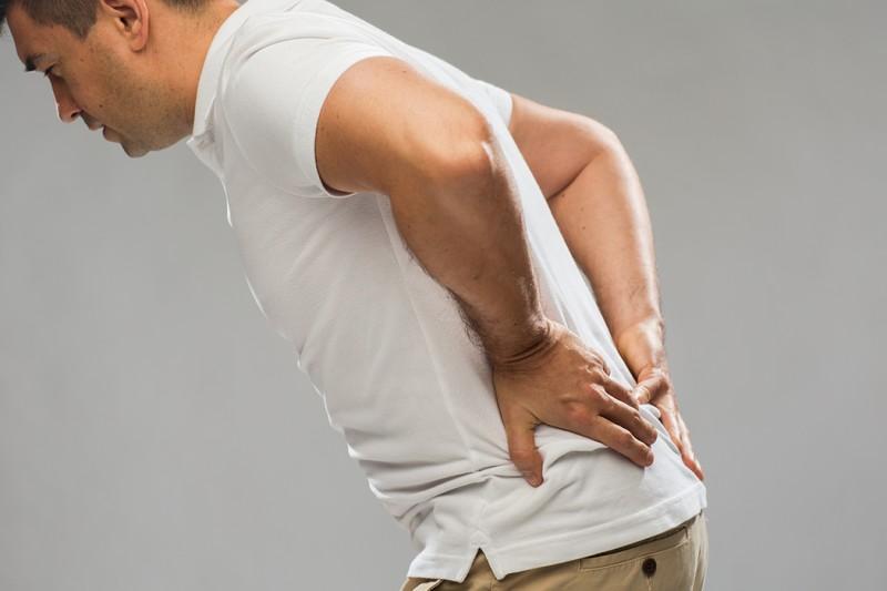 背部躺下比站著還痛?醫師:恐怕是這種癌找上門