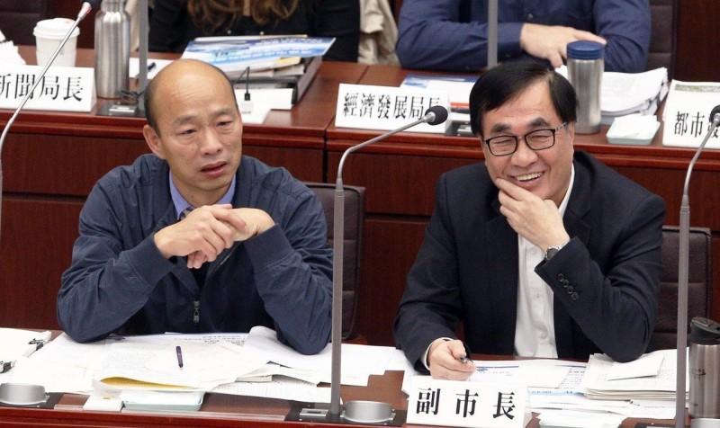 韓國瑜偕李四川上直播 談高雄市路平政績