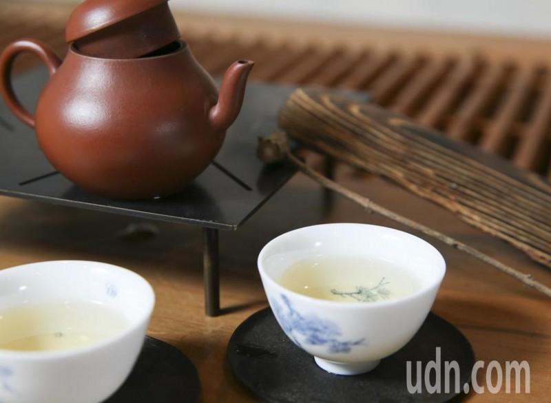 45萬人追蹤研究:喝茶不能抵消罹癌風險