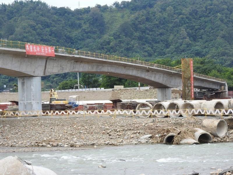埔里愛村橋重建 可望提前完工