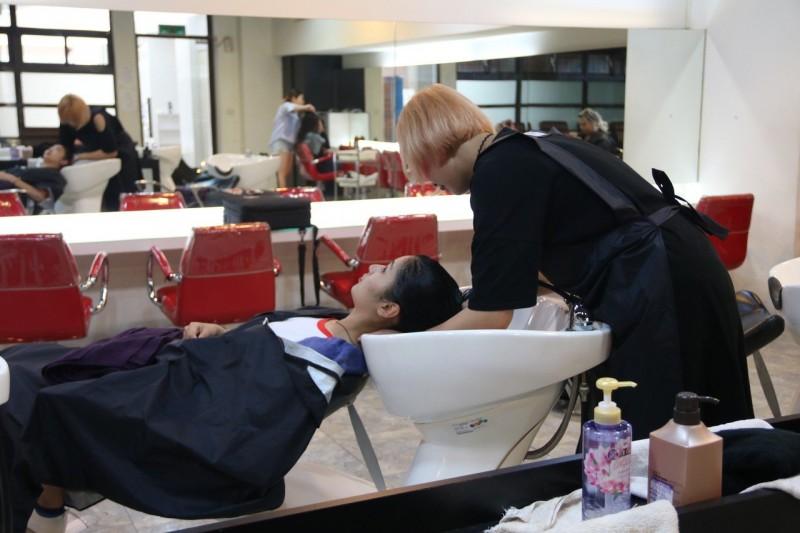 快來剪髮洗髮! 弘光大學美髮系學生要籌環島義剪經費