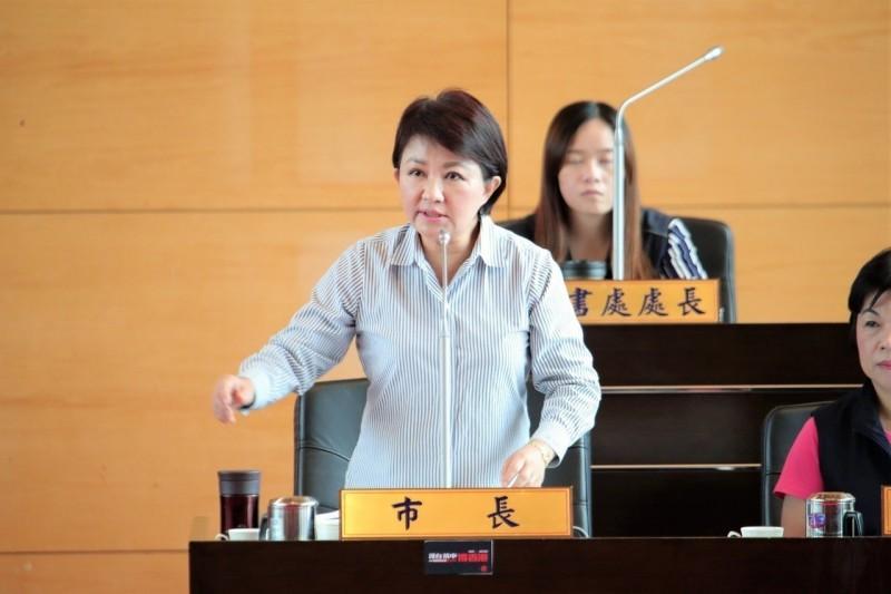 被用「紅牌」請出議場 盧秀燕:市民不會想看府會衝突