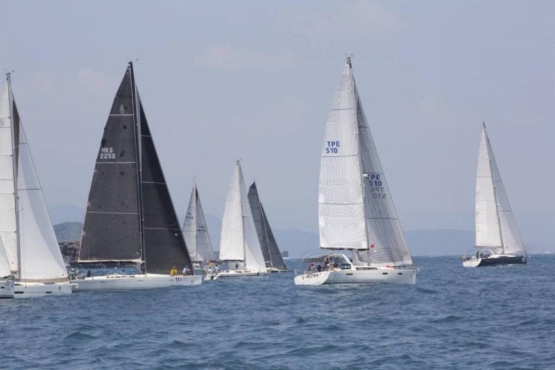 國際帆船賽基隆海上揚帆 林右昌:明年市府組隊挑戰