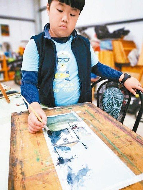 10歲鍾愛阿瓦羅 畫風像老靈魂