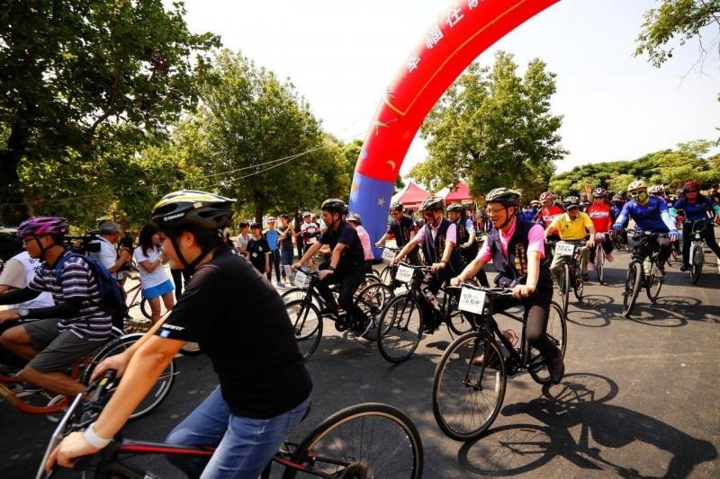 台中推騎自行車活動 抽獎最大獎近5萬元自行車一輛