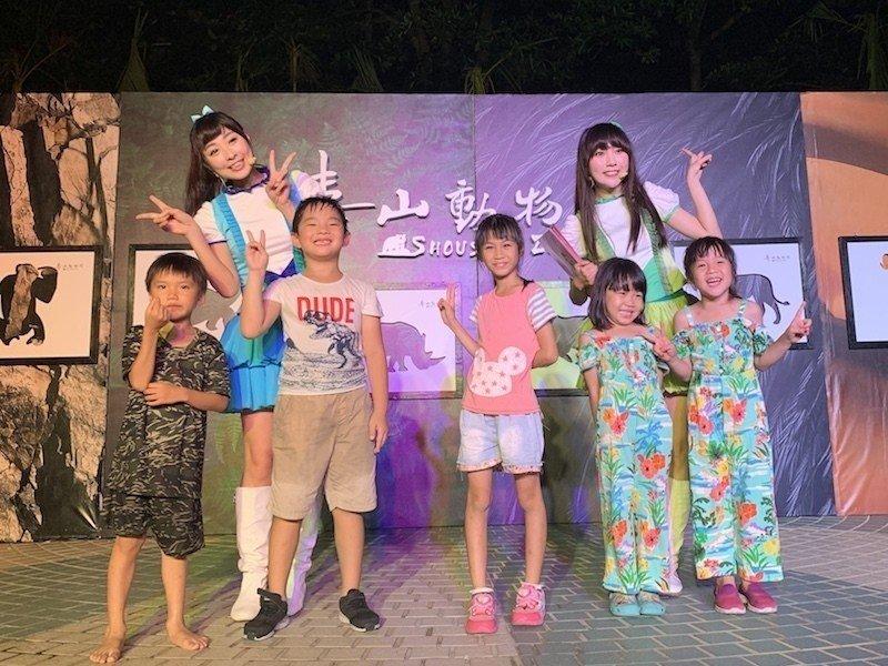 避暑熱 高雄壽山動物園今起開放夜間遊園