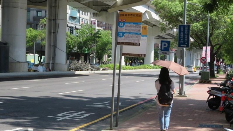 公車發車誤點10分鐘 台中8月起罰千元
