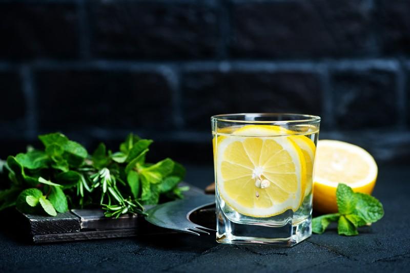 想「冒險」為生活增加新的機會?研究建議喝杯檸檬水