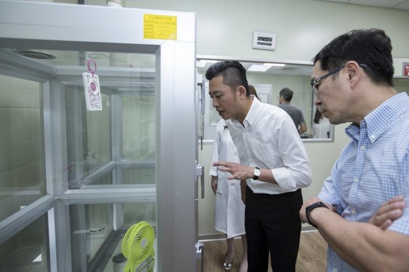 鱷魚蚊香藏身竹市香山 養蟑螂蚊子實驗室首次公開