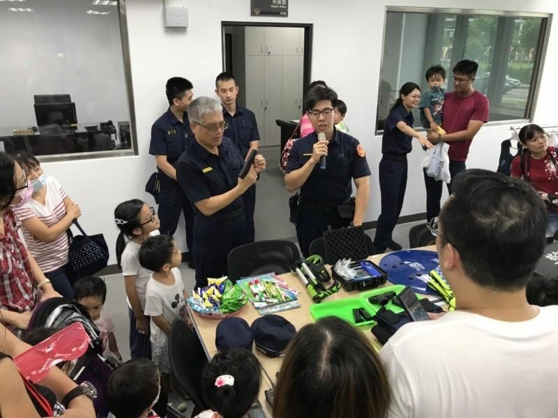 員警假日用心小朋友快樂學習預防犯罪 日本夫婦也說讚