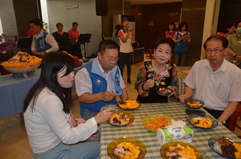 促銷愛文芒果 新營民治議會廳周四2000分芒果冰品嘗