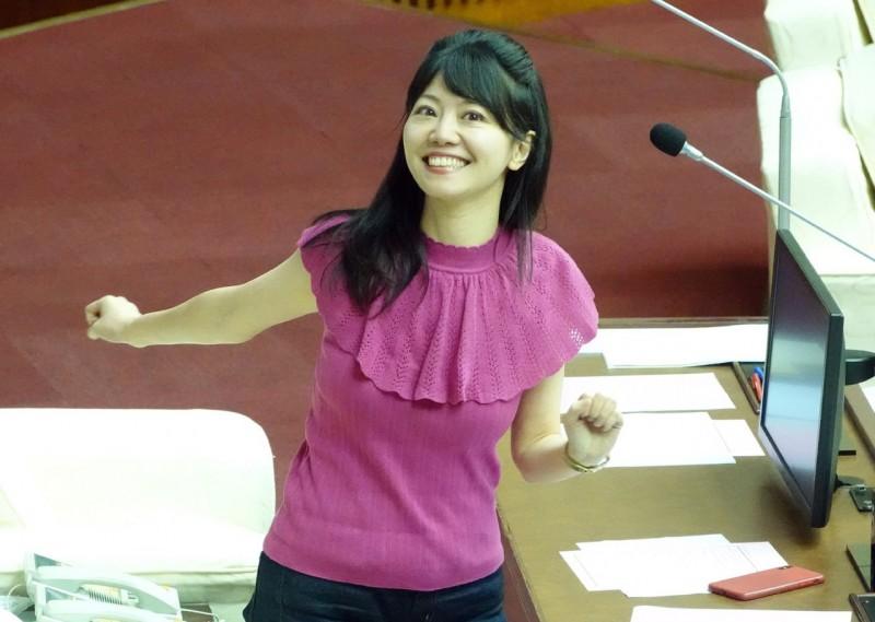 粉絲虧她老? 高嘉瑜被拱「選不了立委選總統」