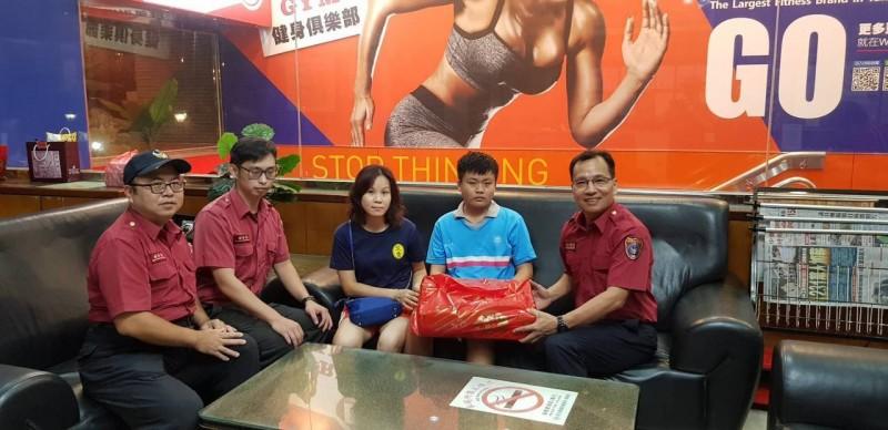 影/14歲國中生跑步暈倒OHCA 緊急CPR加AED救命