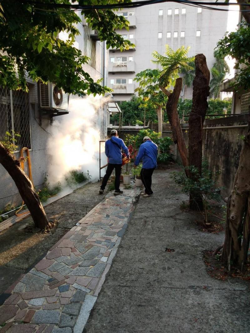 本土登革熱疫情擴大 永和警分局加強消毒宣導