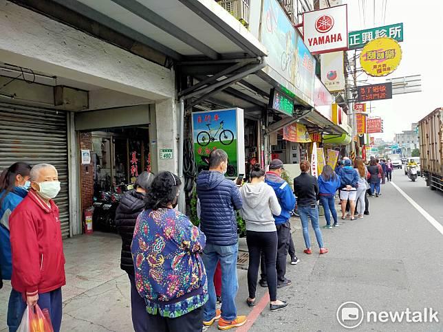 武漢肺炎》買口罩人潮增多 240家藥局申請退出販賣!陳時中回應了