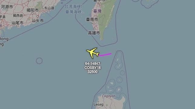 台海軍情》共軍戰機編隊擾台剛走 美軍RC-135電偵機飛來反制