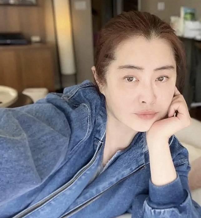 53歲王祖賢曬居家素顏照 凍齡女神美貌依舊