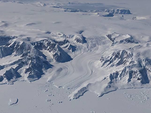 16 年來地球流失多少冰蓋?新舊衛星數據對比見真章