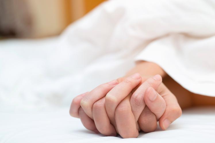 孕期青梅竹馬老公偷吃 8年後罹子宮頸癌的她最後悔這事