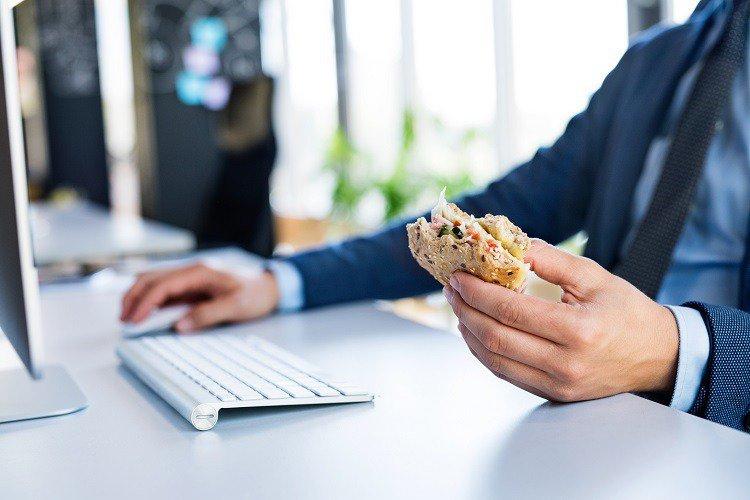 癌從口入不是謠言,是真的! 吃飯時6個習慣超NG,你可能每天都在做